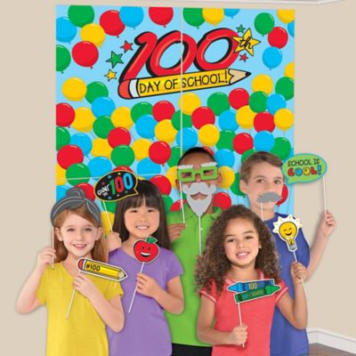 100 Days of School Scene Setter with Photo Booth Props