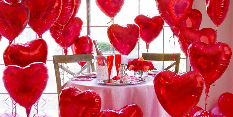 Valentine 39 s day balloons heart balloon bouquets party city for Balloon decoration for valentines day