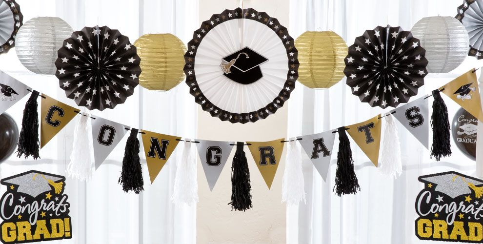 Hanging Graduation Decorations — Congrats Grad 2017