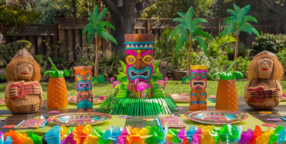 Luau decorations party city for Decoration theme jardin