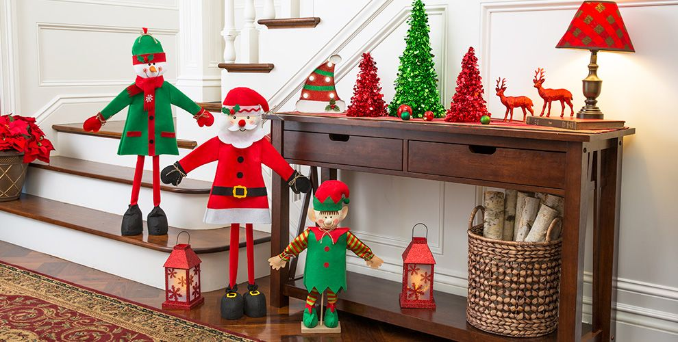 Traditional Christmas Theme Party 50% of Patterned Tableware MSRP