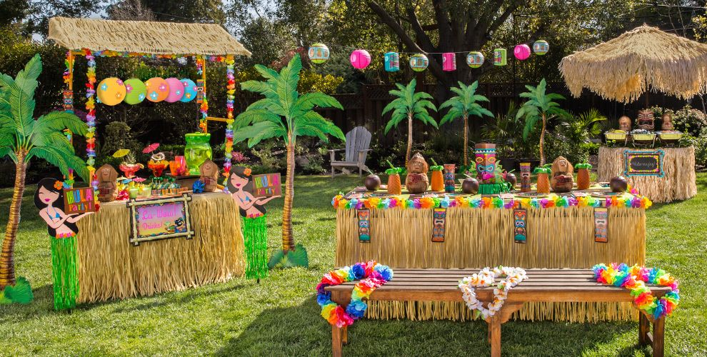 Backyard Hawaiian Luau : Tiki Party Theme  Party City