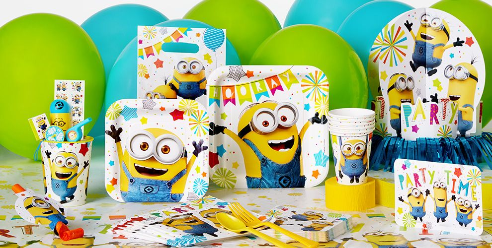 Patterned Tableware 50% off MSRP — Minions Party Supplies