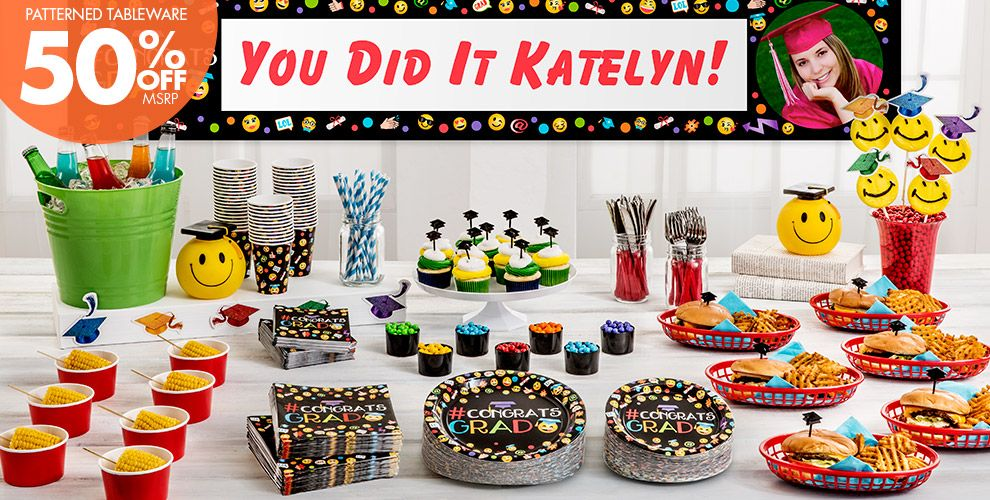 Patterned Tableware 50% off MSRP — Smiley Graduation Party Supplies