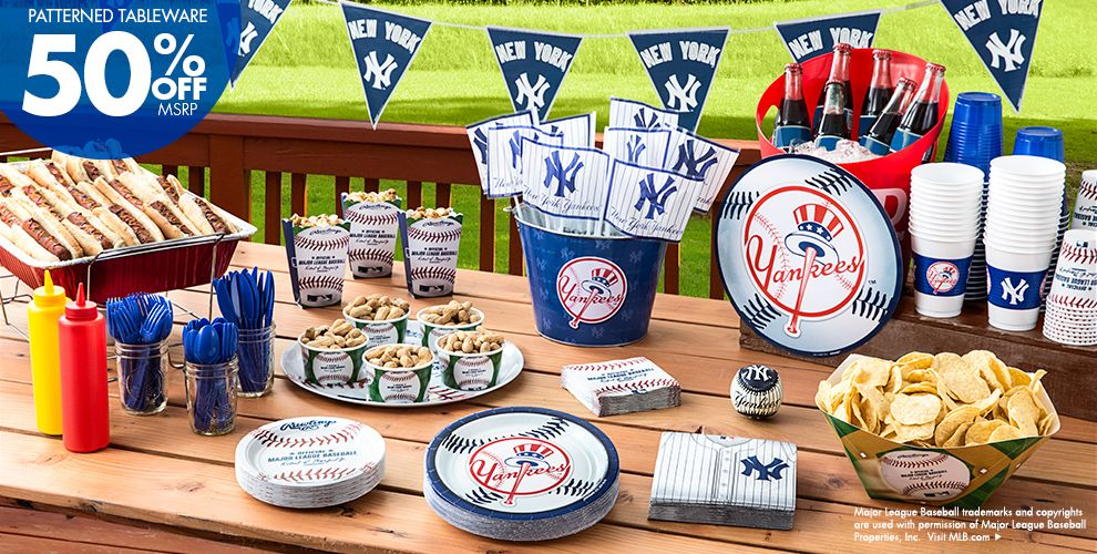 Patterned Tableware 50% off MSRP — MLB New York Yankees Party Supplies