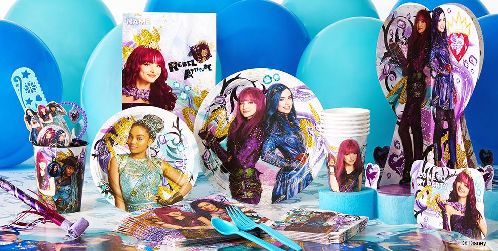 Descendants 2 Party Supplies Patterned Tableware 50% off MSRP